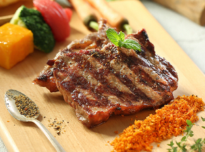 肋眼牛排 ¥ 68 Grilled Ribeye Steak by Fruit Wood